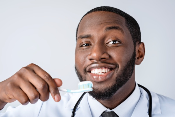Teeth Cleaning Tips To Remove Dental Plaque